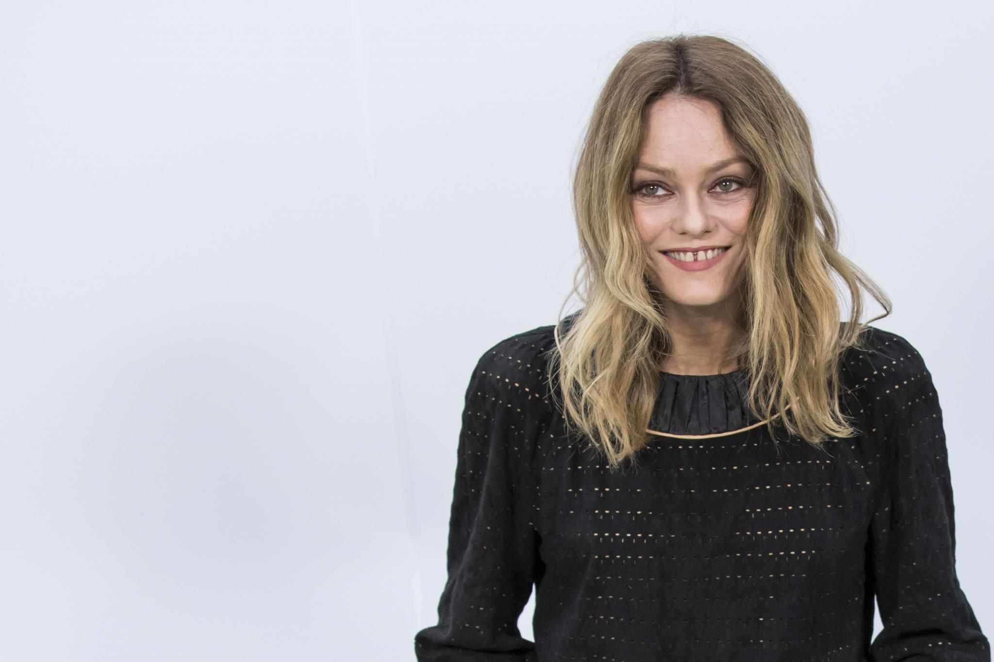 vanessa paradis sera la pr sidente des prochains c sar. Black Bedroom Furniture Sets. Home Design Ideas